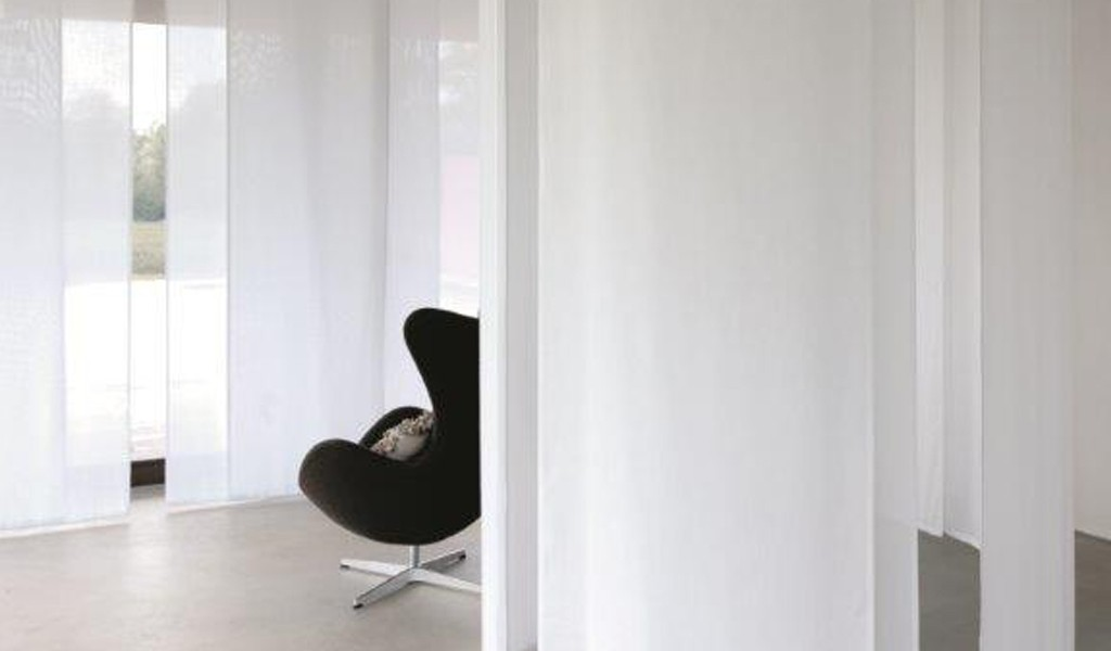 Made to measure vertical panel room dividers